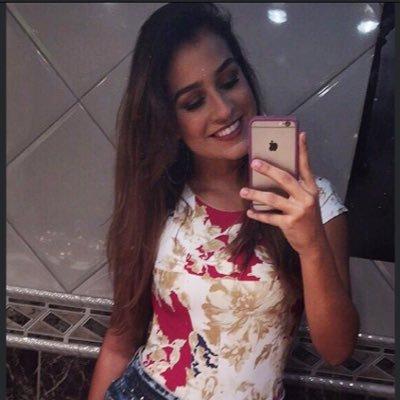 Isadora Seffair ♡ Social Profile