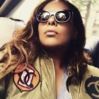 Gabriela Tamayo | Social Profile