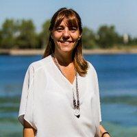 Karina Spalla | Social Profile