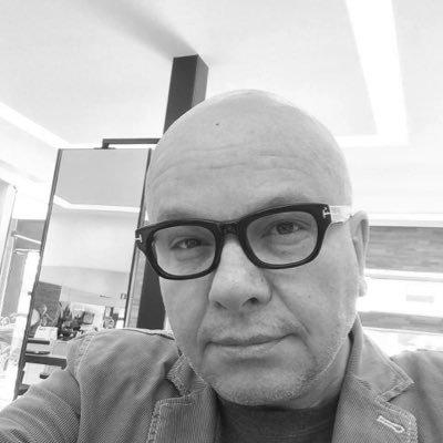 Follow Marcelo Tas Twitter Profile