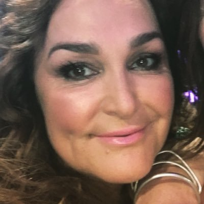 kate langbroek | Social Profile