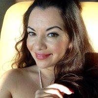 AyZee_آذر | Social Profile
