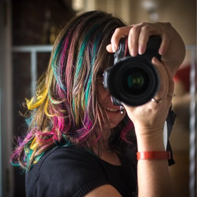 Danielle Donders | Social Profile