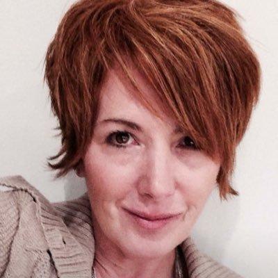 marianne minns | Social Profile