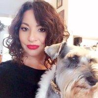 Laura Petrelli   Social Profile