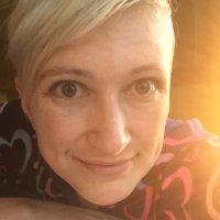 Rebecca Sinclair | Social Profile
