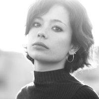 Anna Castillo | Social Profile