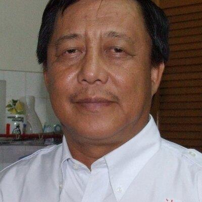 Dr. Edwin Bosi | Social Profile