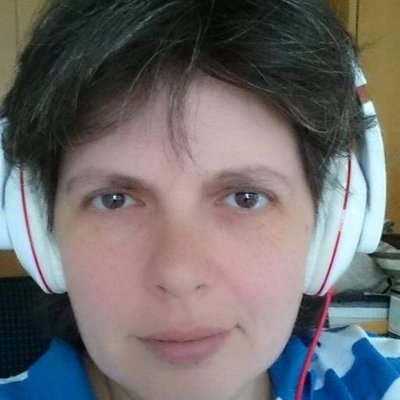 Martina Varsányi | Social Profile