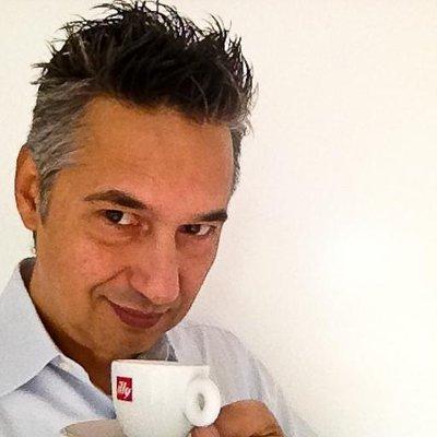 Roberto | Social Profile
