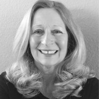 Mary Platis | Social Profile