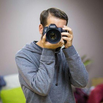 Steffan Harries   Social Profile