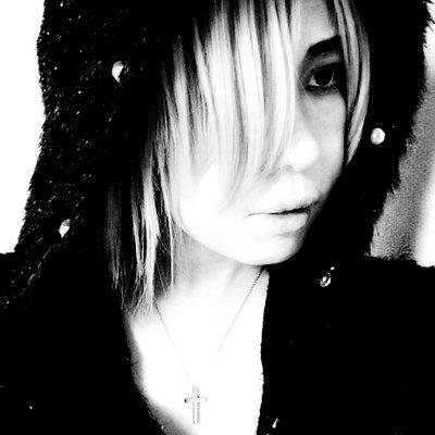優 | Social Profile