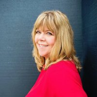 Debbie Gilbert   Social Profile