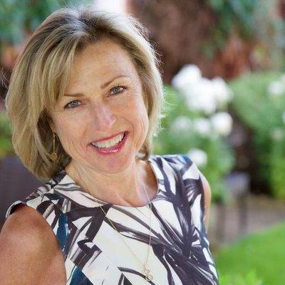 Sandra Crathern | Social Profile