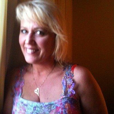 Pam Sommerville  | Social Profile