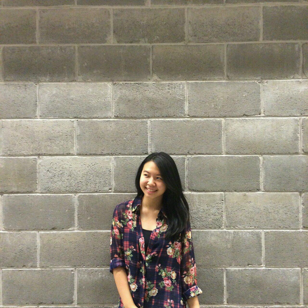 Adeline Vania Social Profile