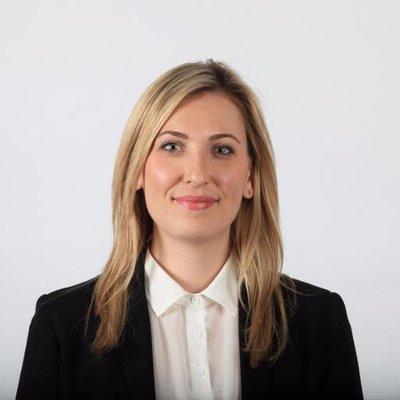 Laura Stone | Social Profile