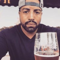 Jason Elliott ✋ | Social Profile
