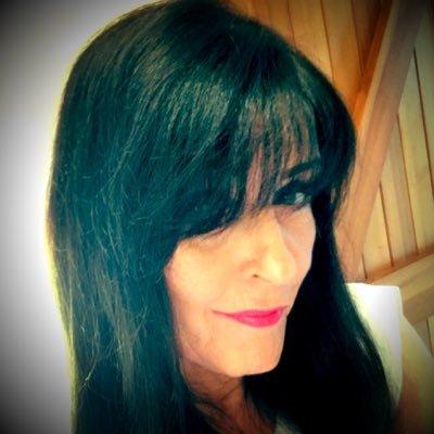 elizabeth melvin | Social Profile