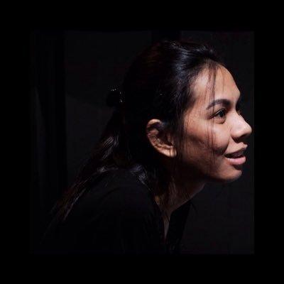 astrella siahaya | Social Profile