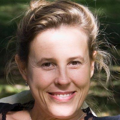 Laura Bloom | Social Profile