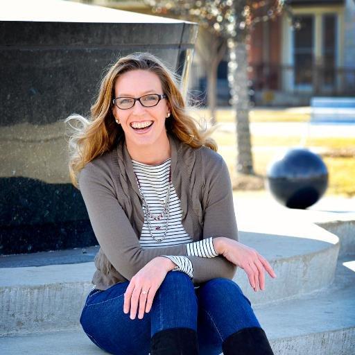 Lara Galloway Social Profile