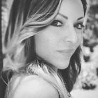 Cristina Abuhazi | Social Profile