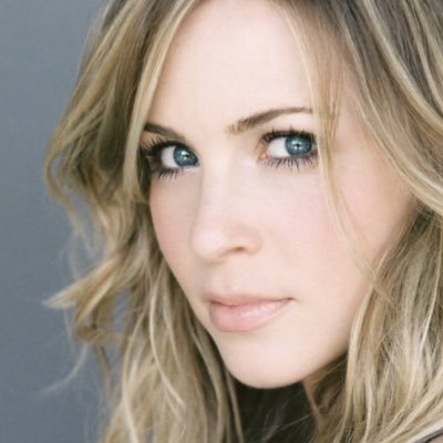 Amy Gumenick | Social Profile