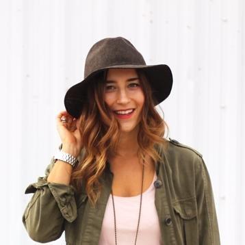 Jackie Goldhar   Social Profile