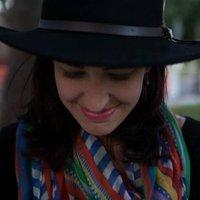 janelle huelsman | Social Profile