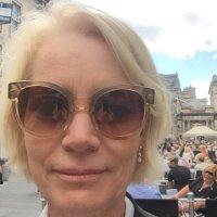Sarah Baxter   Social Profile