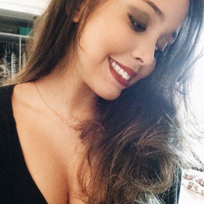 Marina Lima | Social Profile