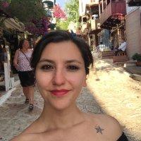 Simge Tezel | Social Profile