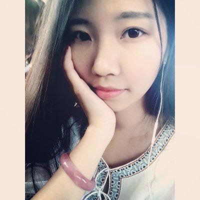 萱崽崽 | Social Profile