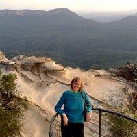 Elizabeth Lhuede | Social Profile