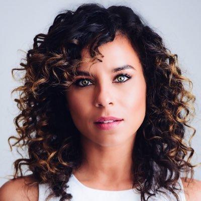 Nicole Lyn Social Profile