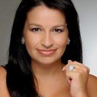 Patrícia Ecave | Social Profile