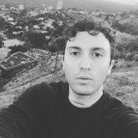Daryl Sabara | Social Profile