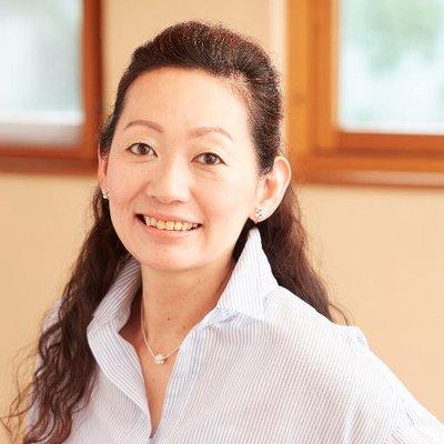 高橋暁子@ツイッター広告本発売開始!   Social Profile