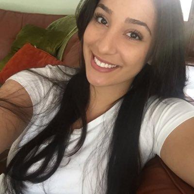 Amanda Garcia   Social Profile