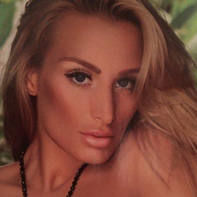 Melissa Teixeira Social Profile