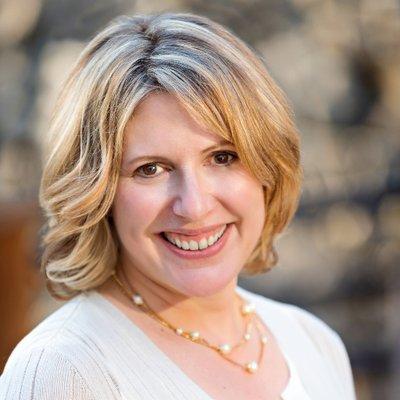 Holly Tucker | Social Profile