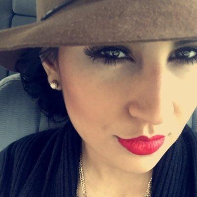 Rebecca Iraheta | Social Profile