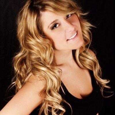 Katrina Mitzeliotis | Social Profile