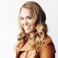 Kristin Luna | Social Profile