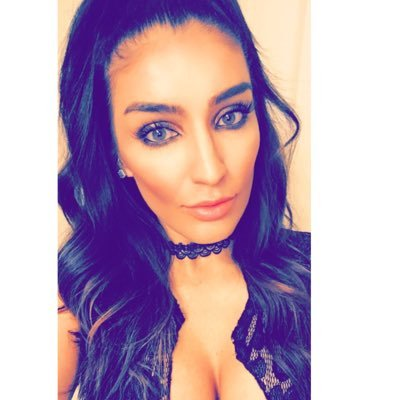 Romina Santa Cruz♡ | Social Profile