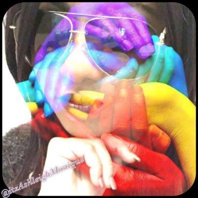 @itzashleighmonique | Social Profile