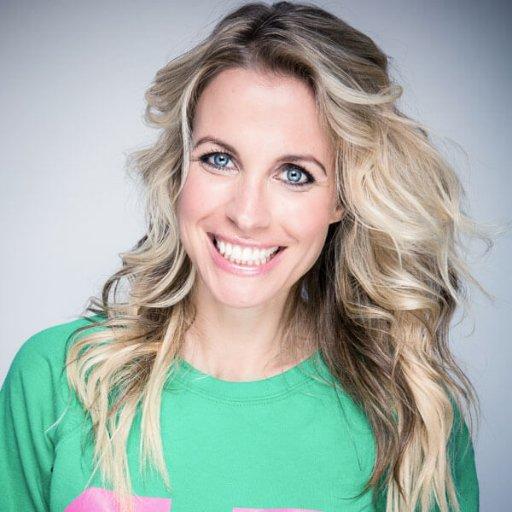 Vivian Reijs Social Profile