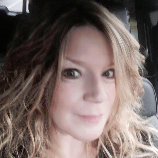 Susan Pazera ✈️ Social Profile